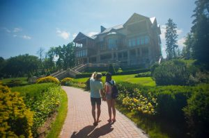 Classy neighborhoods of New Jersey explored by a couple.